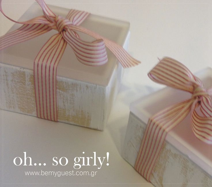 giveaway gifts | pink white | elegant rustic | custom made party | christening favors | wooden boxes with plexiglass | www.bemyguest.com.gr