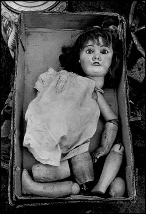 Broken Doll at Flea Market, Paris - by Frank Horvat [1958] @Jeanie Laub