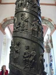 бернвард хильдесхаймский, как колонна траяна, но более аккуратный рельеф