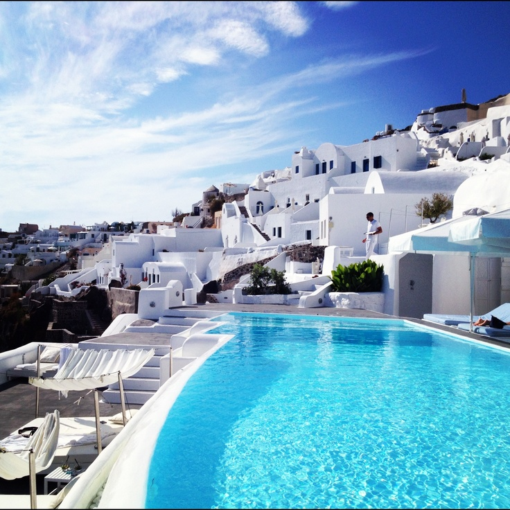 Relais & Chateaux - Kirini Suites & Spa on the cliffs of Oia, Santorini Greece. Overlooking the magnificent Caldera below.  #relaischateaux #romance #greece #swimmingpool