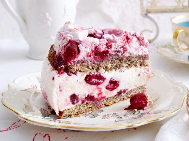 Unser beliebtes Rezept für Mohn-Baiser-Kuchen mit Kirschen und mehr als 55.000 weitere kostenlose Rezepte auf LECKER.de.