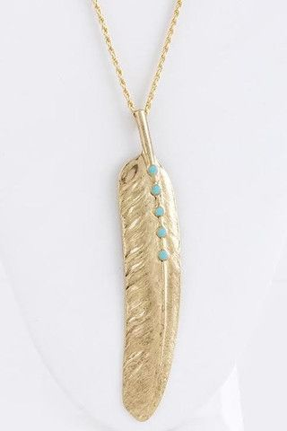 1er bijou de ma collection dévérouillé ! Repinnez si vous <3 COLLIER FEATHER, 27$ http://www.shop-vlb.com/collections/cynthia-du/products/feather-collier