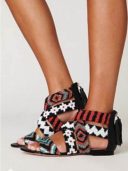 Este verano… ¡zapatos de colores chillones!