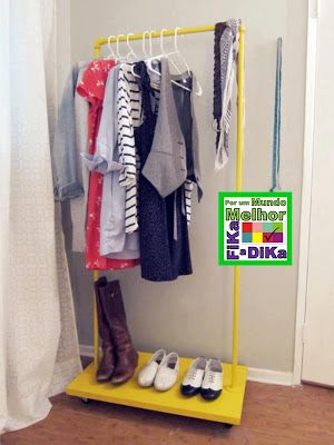 Arara de roupas: Clothes Racks, Coats Racks, Clothing Racks, Projects Ideas, Garment Racks, Diy Clothing, Closet, Pvc Pipes, Small Spaces