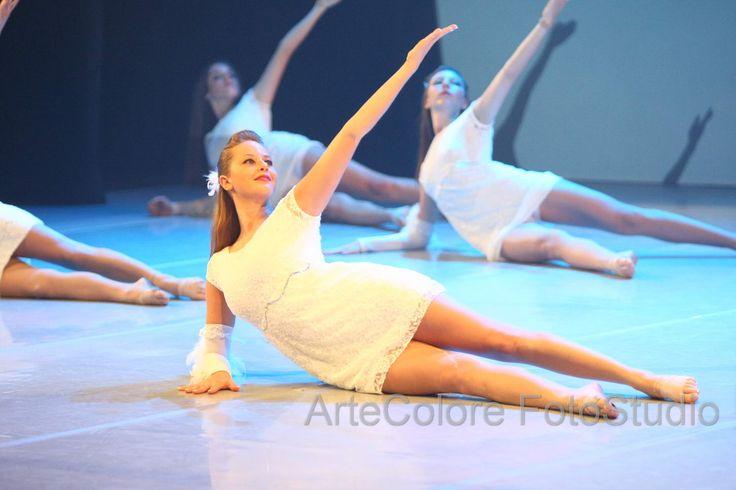foto di danza in teatro modern, classica, jazz, hip-hop
