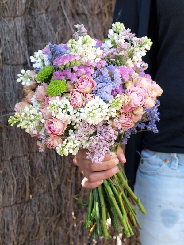 Ramo de Flores en el columpio