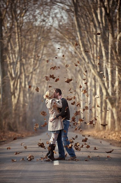perfect shot...would probably be a little hard to re-create lol...25 Epic Fall Engagement Pictures | Beyond the Wanderlust | Inspirational Photography Blog