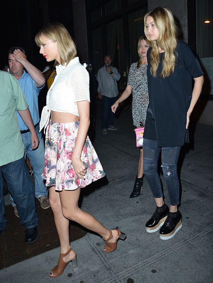 "Taylor Swift, Gigi Hadid, and Martha Hunt Recreate ""Bad Blood"" Music Video in Manhattan"