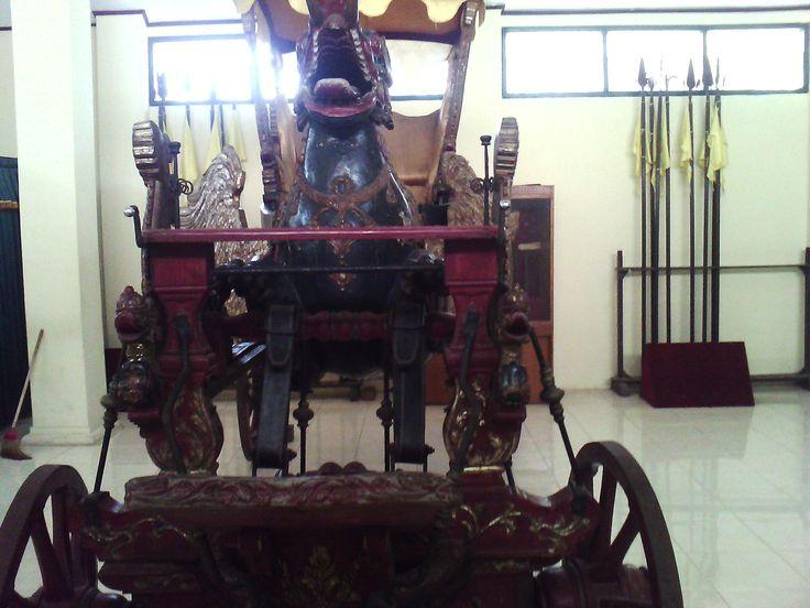 Kereta Tradisional keraton kesepuhan Cirebon