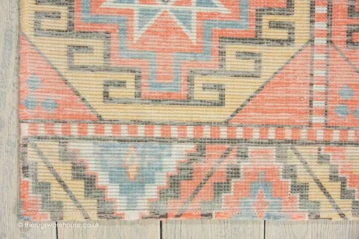 NEW: Madera Tribal Rug (texture close up), a modern machine made rug with a fading vintage look tribal pattern (machine-woven, polyester, 152 x 213cm (5ft x 7ft))  http://www.therugswarehouse.co.uk/traditional-rugs/madera-rugs/madera-tribal-rug.html