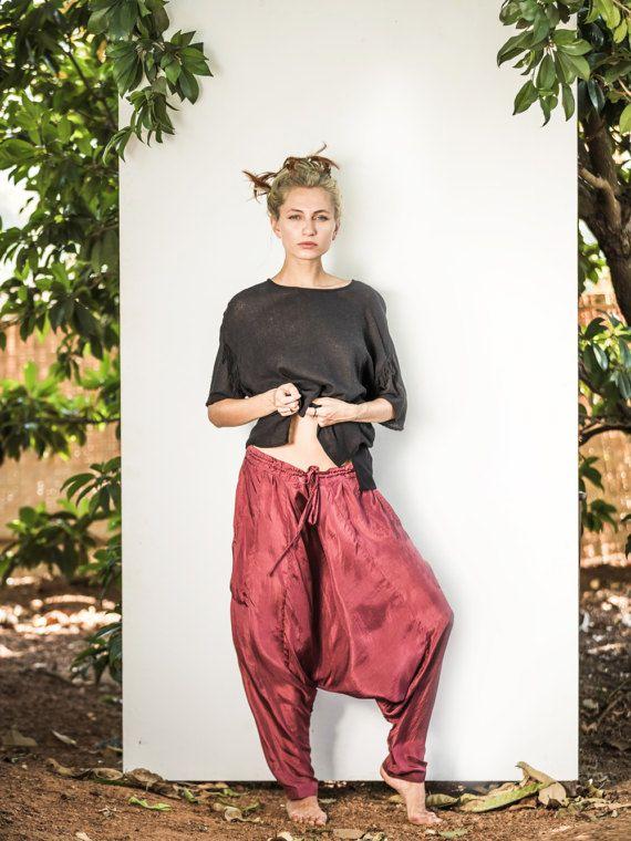 Dhoti Trousers / 100% Silk / Hareem Pants / Pocket Detail / Draw String waist / Relaxed / Alibaba style / boho