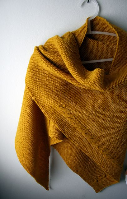 Project Gallery for Sideways Bias Triangle Shawl pattern by Leslie Weber