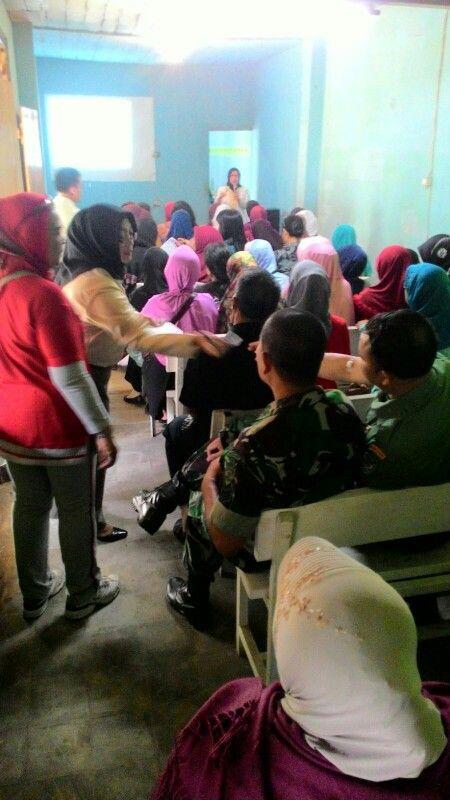 Edukasi Oribest oleh Ibu Gilang Product Manager Oribest di Prolanis Klinik Siliwangi RS. Dustira Cimahi  Indonesia say no untuk diabetes