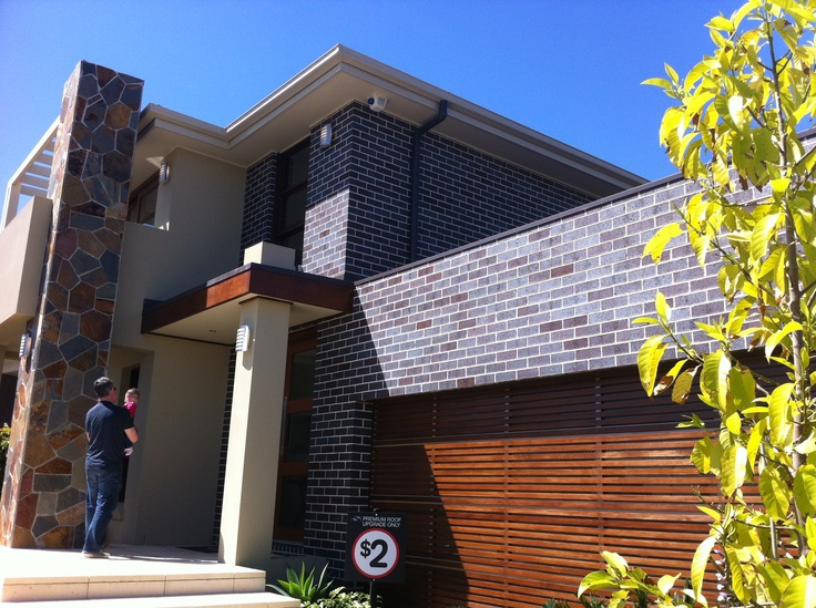 Cremorne 37 HomeWorld North in blue steel flash bricks