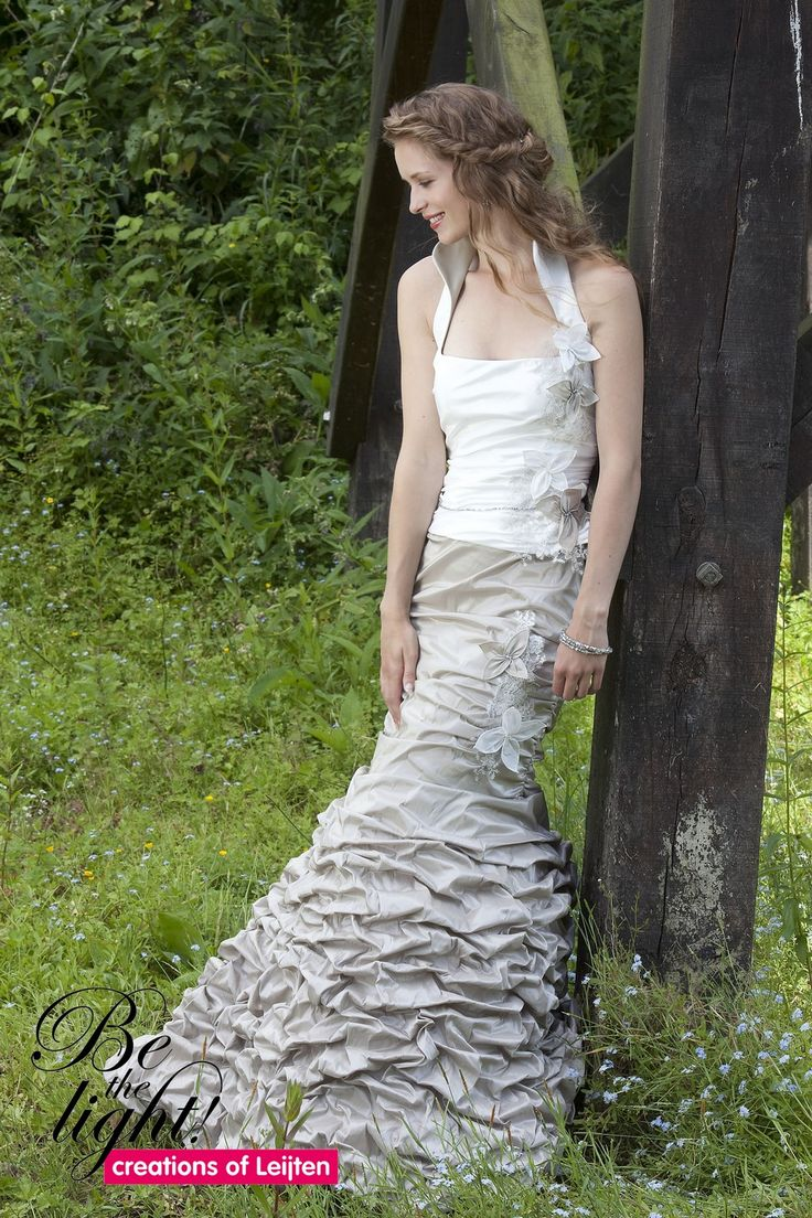 856 - Gekleurde bruidsmode - Bruidscollecties - Bruidshuis Diana