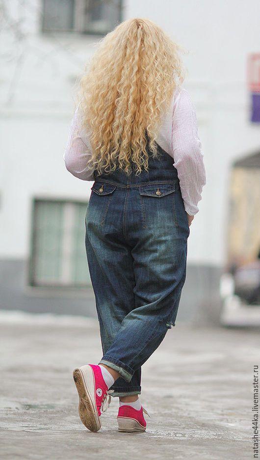 Комбинезоны ручной работы. Комбинезон джинсовый. *СТИЛЬ КУРАЖ*  Размеры 48 - 68. Ярмарка Мастеров. Деним