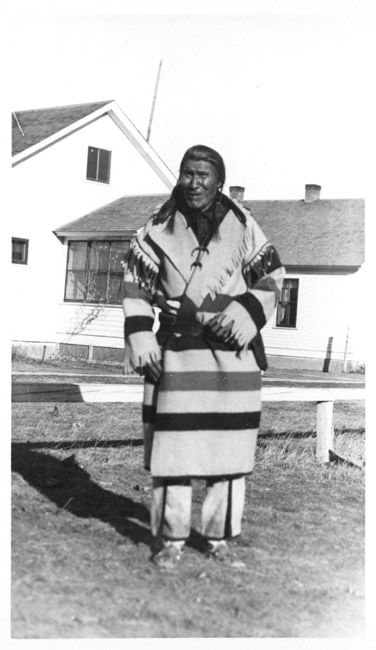 Indian Peoples of the Northern Great Plains, An MSU Library Digital Collection. Bear Head, племенная принадлежность не известна.