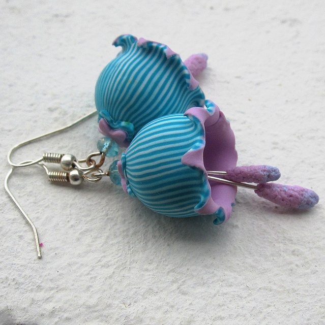 Blue violet bells by Saffron Addict, via Flickr