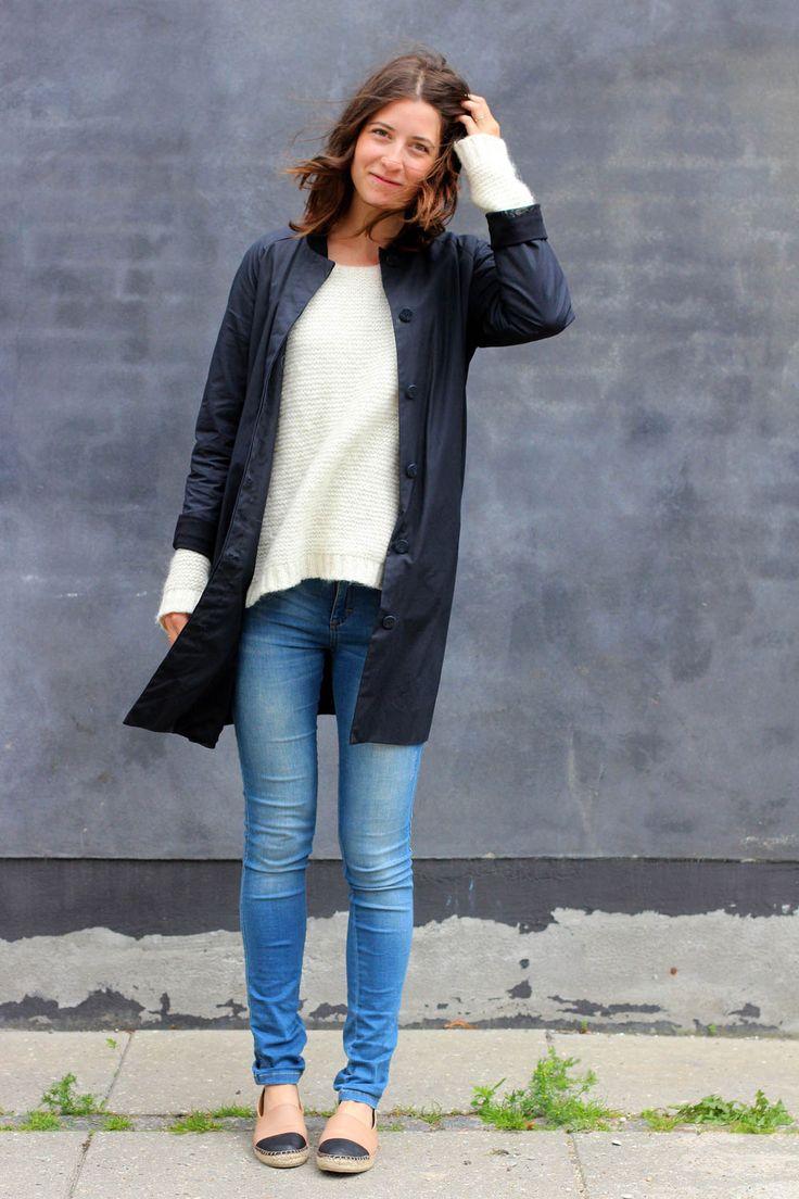 Blå jeans, nye sko og en lille vind