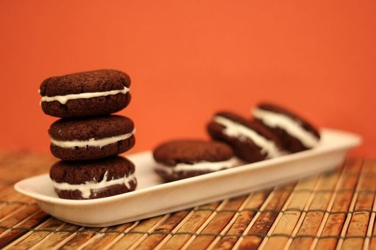 Baking sugar free oreo cookies? This printable recipe has oodles of photos, a comic with fun cartoons, and is diabetic-friendly.