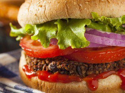 Receta de Hamburguesa de Lentejas | Rica y saludable receta para preparar una hamburguesa de lentejas. Esta es una deliciosa opción vegetariana para preparar una rica hamburguesa.