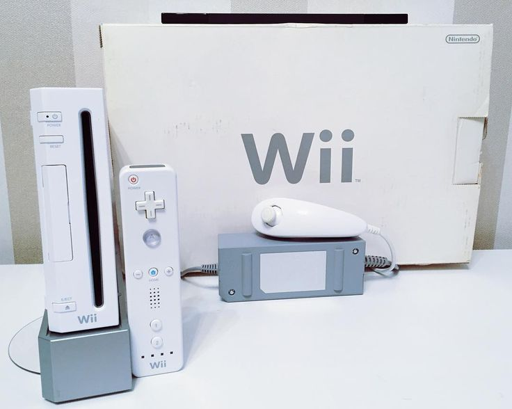 On instagram by oldplaygameshop #retrogames #microhobbit (o) http://ift.tt/2csMSmH привет  Перед вами крутая игровая система Nintendo Wii . Отличная возможность познакомится со всеми хитовыми сериями и персонажами а также приучить свою подругу/жену/сестру к видеоиграм . В комплект входит: игровая консоль блок питания  AV-кабель переходник Scart сенсорная планка wii-моут и нунчак коробка и комплект инструкций. В подарок вы получите сборник Wii sports  один лицензионный диск  сюрприз . Данная…