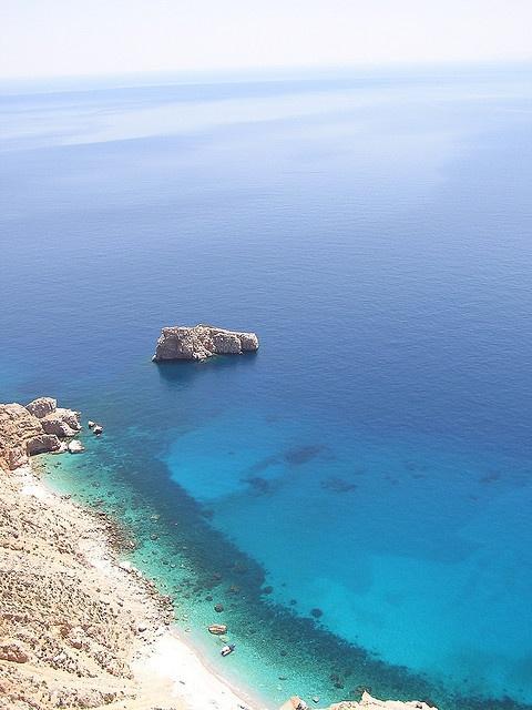 Grand Bleu by Antonis Lamnatos, via Flickr. Isla de Amorgos. Grecia
