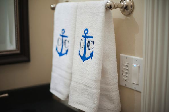Bath #towels featuring the couple's custom #monogram. Such a great finishing touch I Custom by Nico and Lala