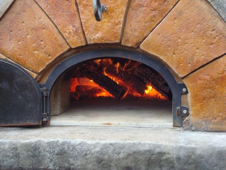 Pizza mit tollem echten Geschmack aus dem eigenen Ofen
