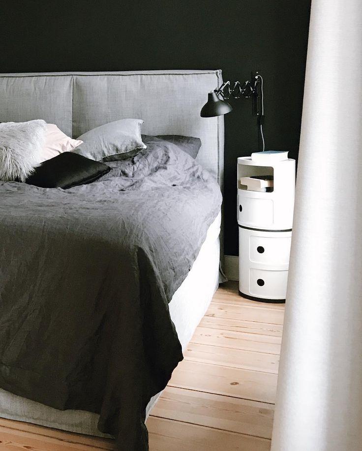 Mit Der Dunklen Wand Ist Ein Wohnliches Highlight Im Schlafzimmer  Garantiert, Wobei