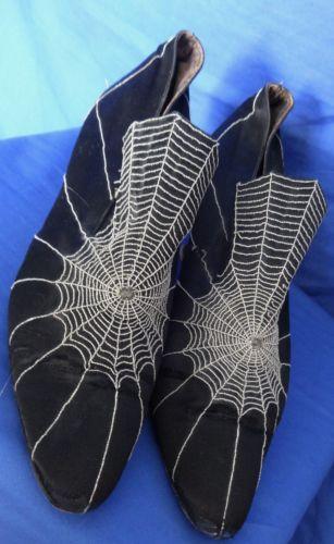 Original-1920s-Black-Silk-Satin-Unique-Spiders-Web-Design-Flappers-Shoes