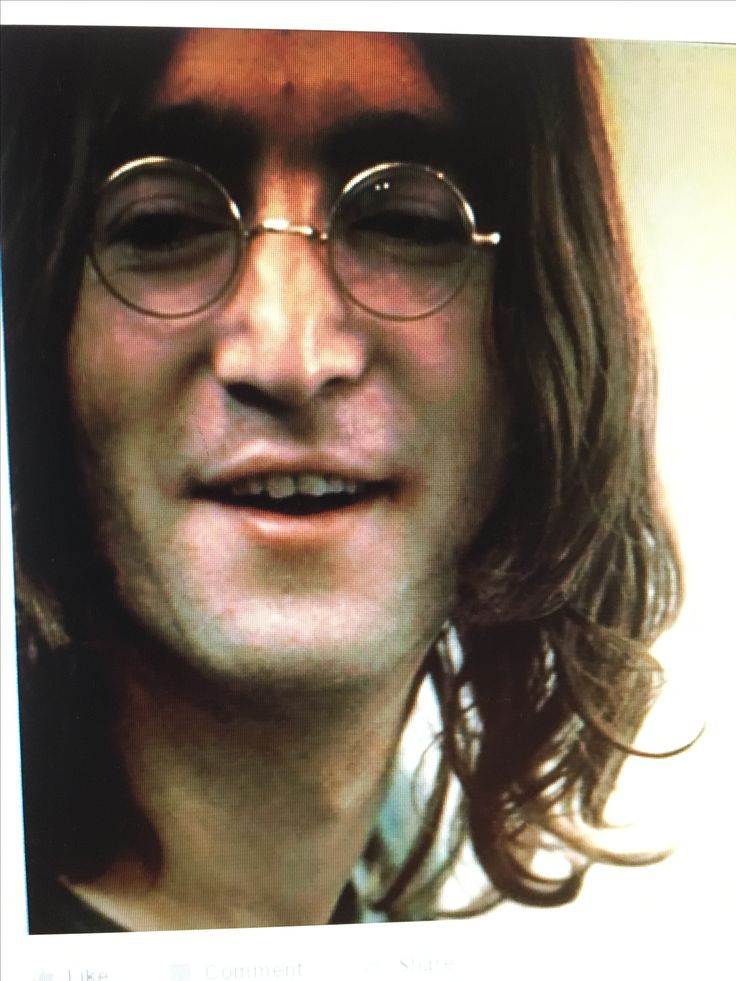 John Lennon ❤️                                                                                                                                                                                 Más