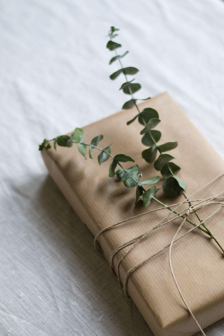 kinfolk style christmas giftwrap » Inspire Styling