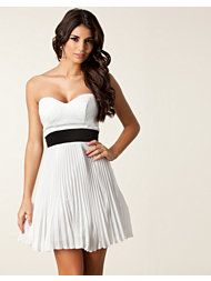 ELISE RYAN Pleated Sequin Bust Dress