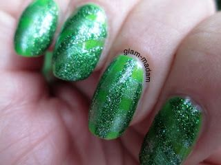 Glam-madam: Re-starting the nail game: 28-33: Crumpet's 33DC = lines