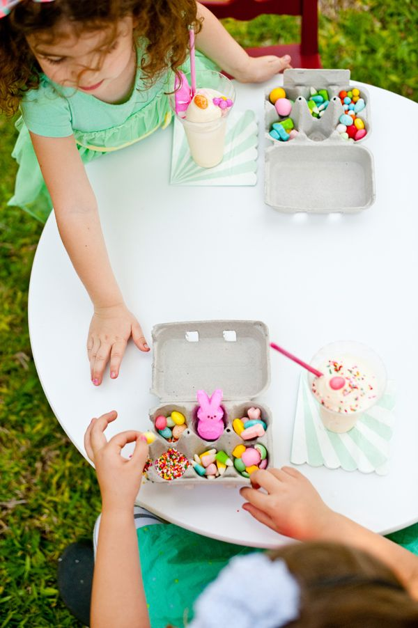 Easter Sundae Kits, for the little kids... or big kids. ;) Easter Crafts, could do this for non-edible crafts too