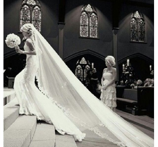 If this doesn't make you want a cathedral veil on your wedding day, I don't know what will.