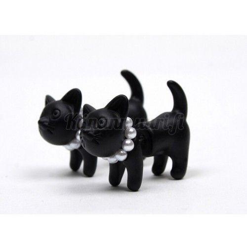 Mustat kissa korvakorut