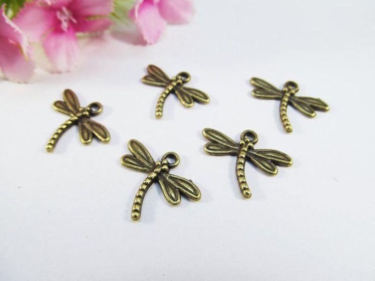 10 Libelle Anhänger / Charm, Farbe bronze von Schmuckes von der Perlenbraut auf DaWanda.com