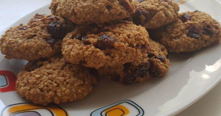 Mennyei Zabpelyhes keksz recept! Diéta idején egy kis édesség, amit reggelire vagy munka közben, amikor ránk tör az éhség, el lehet majszolni.
