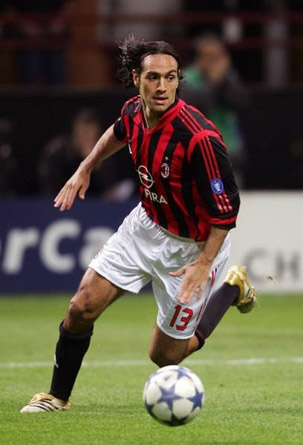 After 10 years of great football Sandro Nesta will leave AC Milan. Thanks for everything!