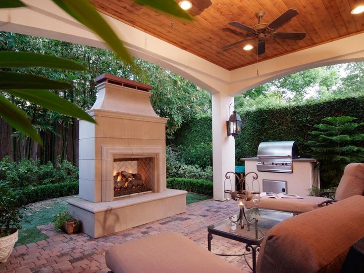 The decorating experts at HGTV.com share 10 cozy and inviting fireplaces from HGTV fans.