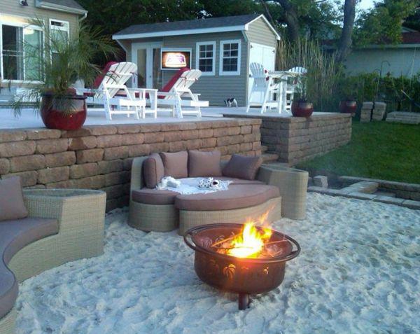 Creative Ideas for Small Space Outdoor Living | Home Trends Magazine