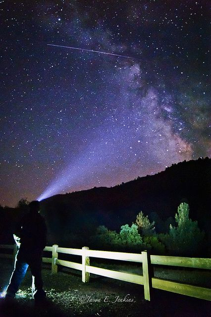 This year's Eta Aquarids meteor shower is expected to be a good one, with one shooting star every minute in the Southern Hemisphere. So us Aussies get one of the best views in the world.