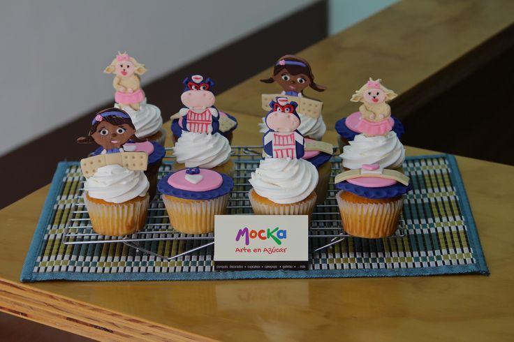 Cupcakes de la Dra Juguetes | #CupcakesDecorados  Pedidos: 3006080239 | info@mocka.co | (1)4583915  www.mocka.co  #mocka #pasteleria #pasteleriasbogota #bakery #cakeshop #cake #ponque #torta #pastel #ponquedecorados #tortadecorada #birthday #cumpleaños #pasteleriartesanal #drajuguetes #ponqueinfantil #ponquetematico #artenazucar #cakesbogota #cakedesign #doctorajuguetes #cupcakes