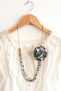 náhrdelník s brošňou ...