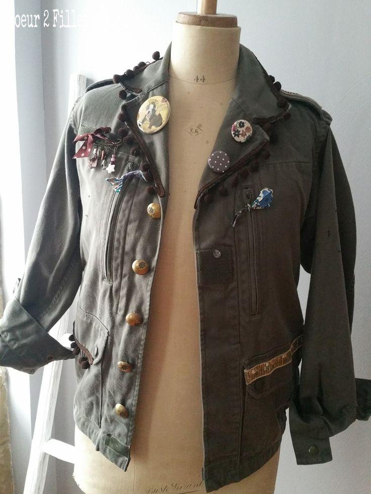 Véritable veste militaire customisée avec étoile appliquée dans le dos pièce unique : Manteau, Blouson, veste par coeur-2-filles