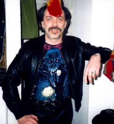 Riccardo Ghinelli vestito da Punk