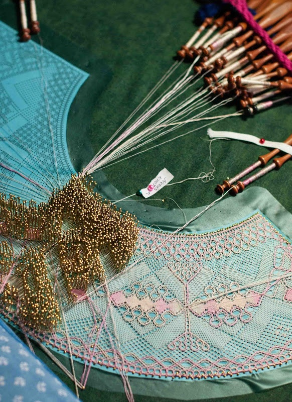 Oh, how I dream of making bobbin lace one day