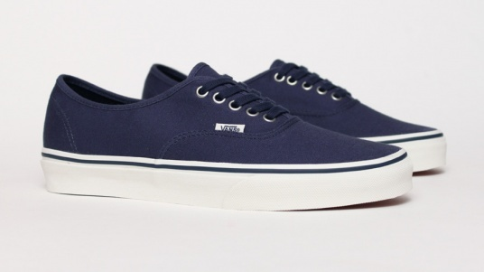 Vans Authentic - Navy.... Simple!